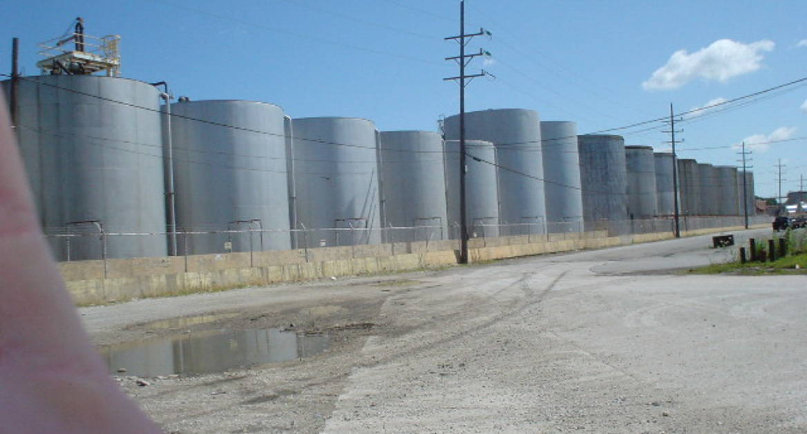 Tank farm for chemical raw materials